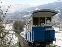 Zwischen Frühling und Schnee: Die Sonnenbergbahn hat ihren Betrieb wieder aufgenommen