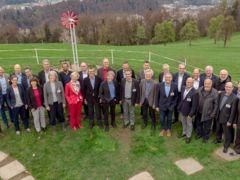 Gruppenbild der Behördenvertreter auf dem Sonnenberg