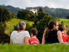 1. Augustfeier Kriens - mit Blick aufs Schloss Schauensee im Parkbad Kriens